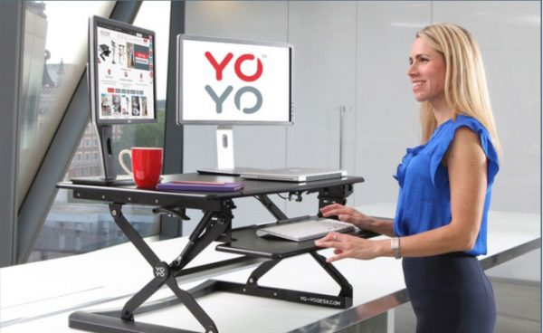 Yo-Yo Sit-stand desk with screens